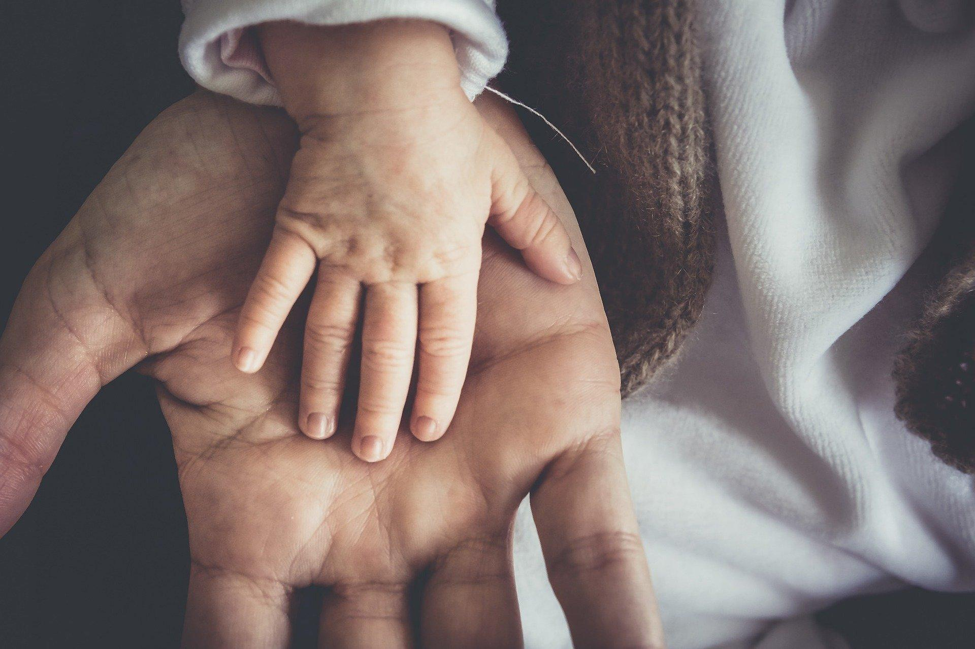 Mani, padre e figlio